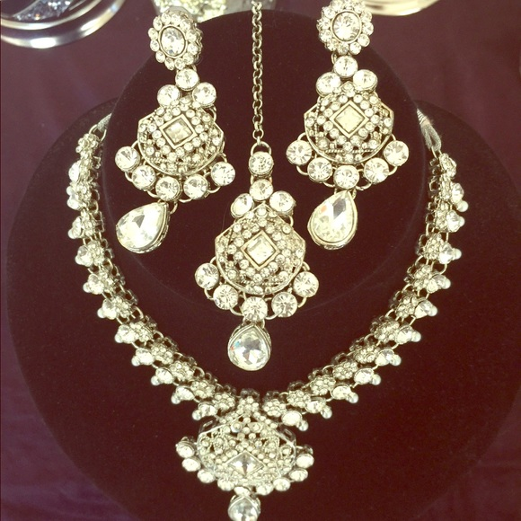 Bollywood Indian Wedding Accessories 4 Piece Set